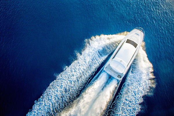Speedboat transfers to the resorts