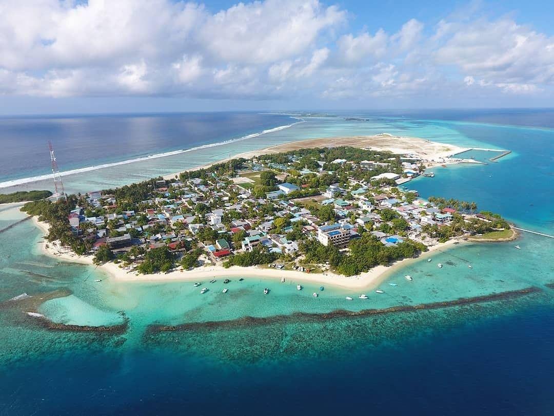 Thulusdhoo-Island.jpg