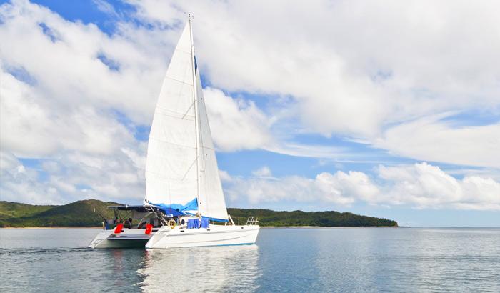 Catamaran-Sailing-Maldives.jpg